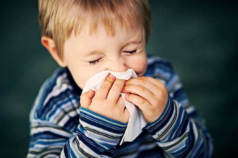 how-is-sinusitis-and-a-cold-different